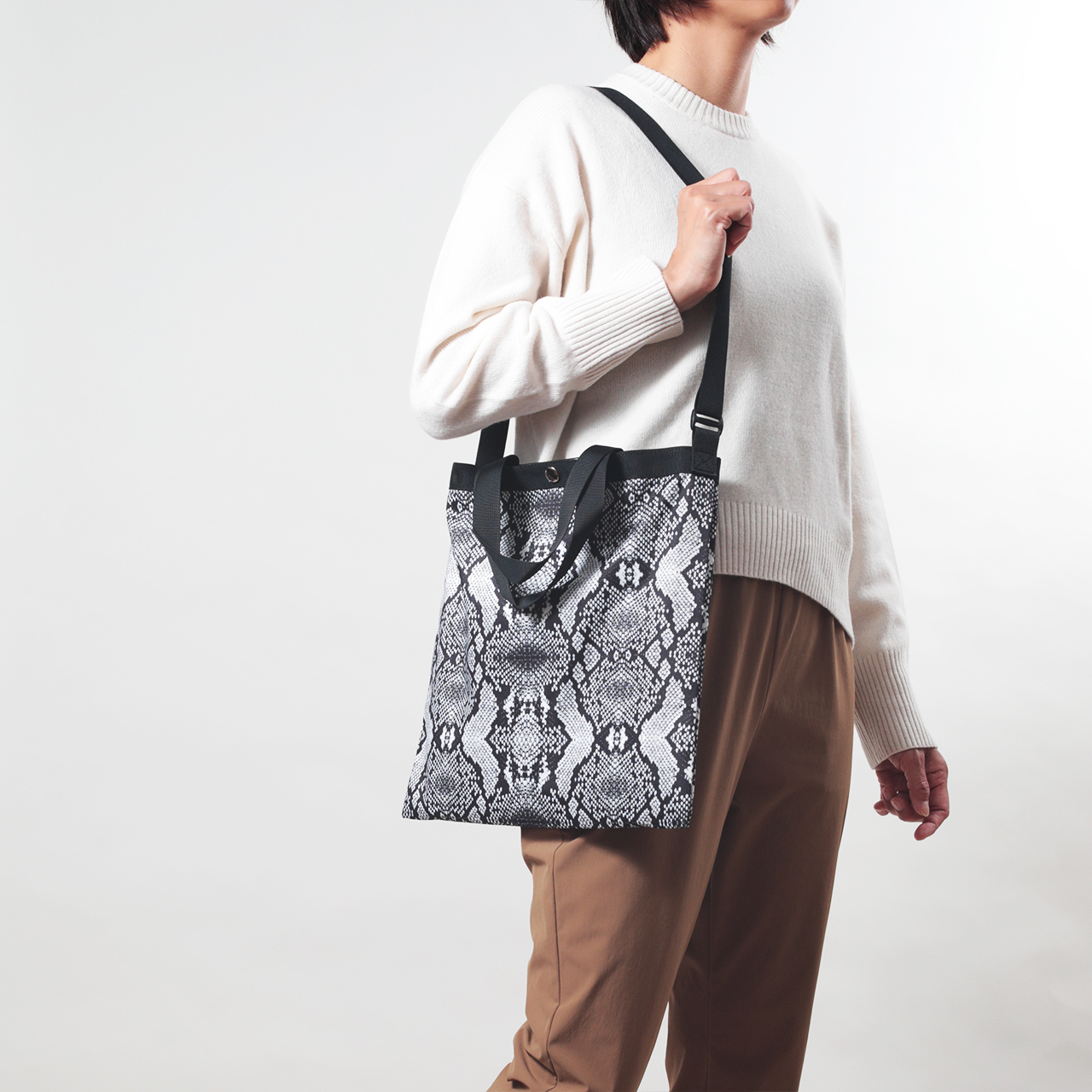 drifter_ELEMENTARY_TOTE_PYTHON